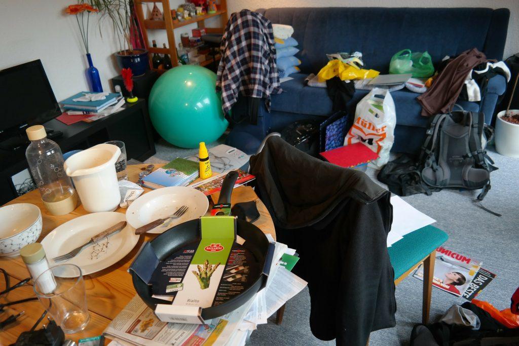 Håll ordning hemma med minimal ansträngning genom 5 tips för att besegra kaoset och 5 tips för att aldrig hamna där igen! merstruktur.se